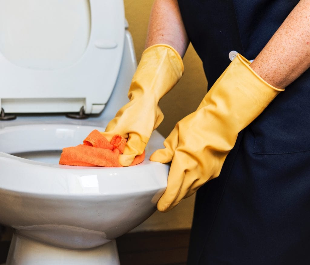 Moving cleaning checklist for bathrooms