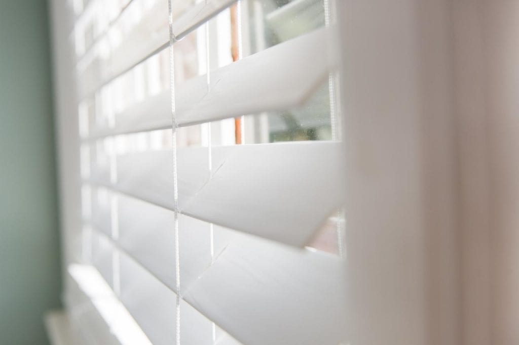 how to clean plastic blinds made of pvc and vinyl