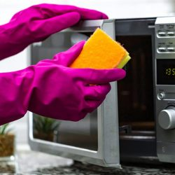 how to clean sponges in microwave