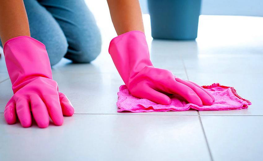 deep cleaning ceramic tile